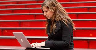 Az online tananyag már egyszerűen elérhető