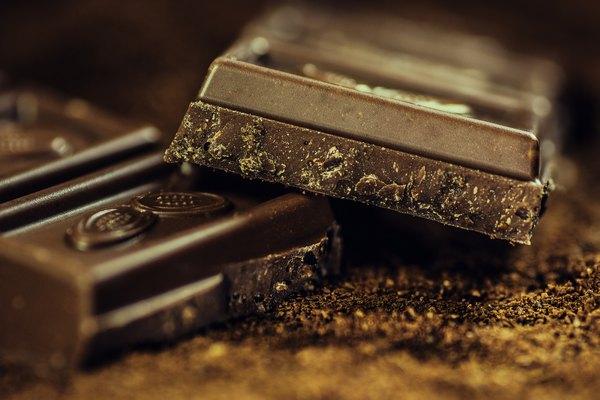 Étcsokoládé a desszertek alapjául