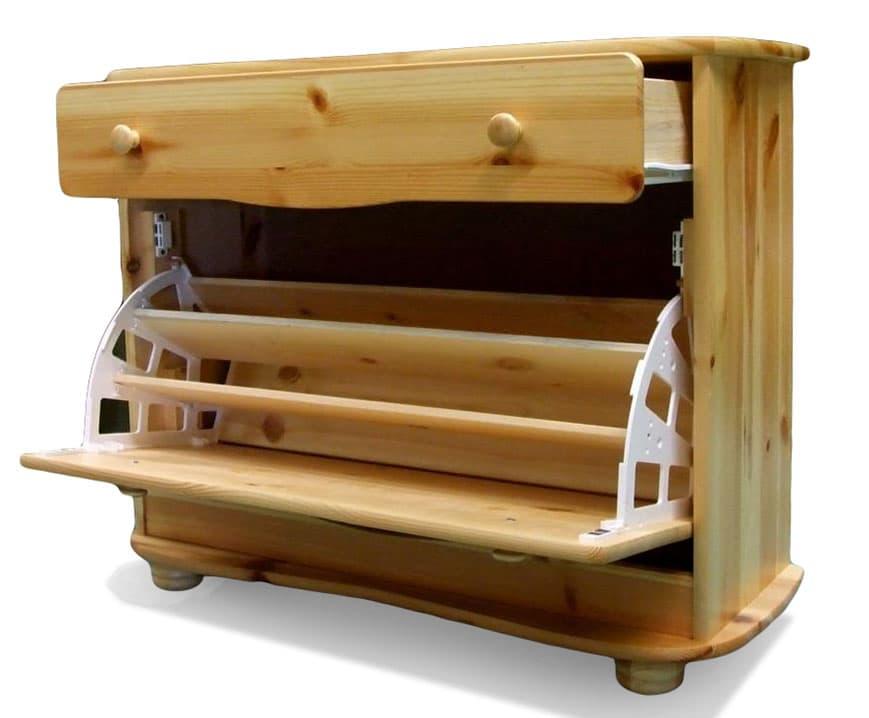 Gondosan megtervezett fenyőbútor a lakásba