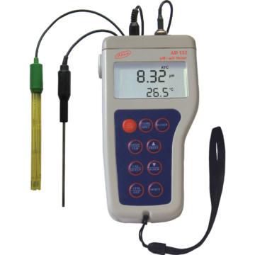A pH mutató ellenőrzése a medencében